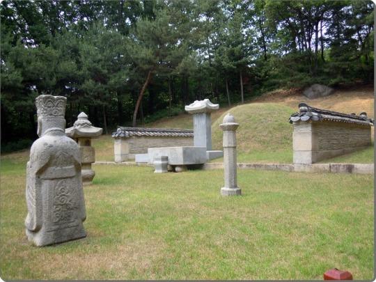 La tombe de Jang Hui Bin